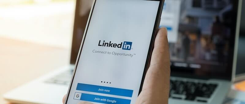 LINKEDIN TIPS: HOW TO PITCH TO JOURNALISTS