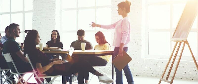HOW TO IMPROVE YOUR CORPORATE COMMUNICATION SKILLS