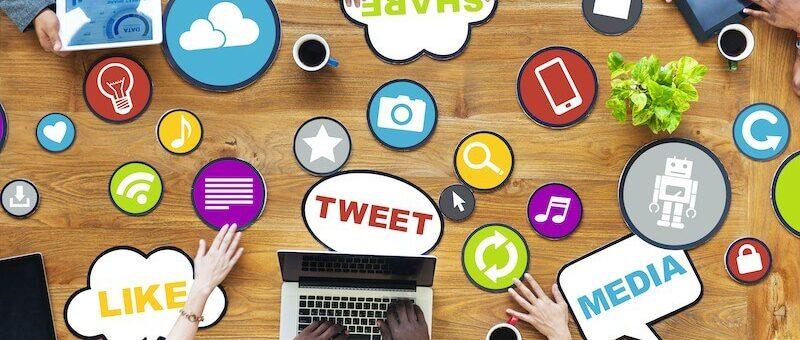 4 WAYS TO USE SOCIAL MEDIA TO YOUR ADVANTAGE